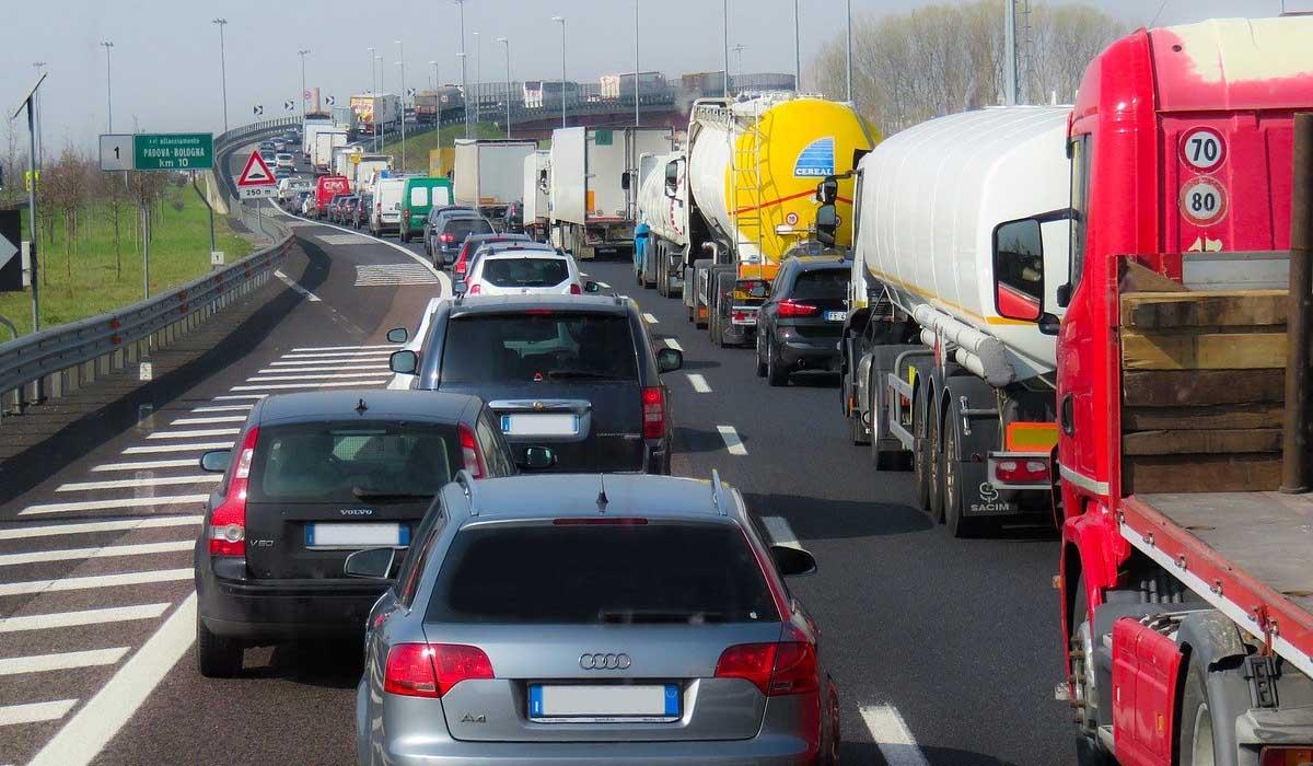 Calendario traffico autostradale luglio e agosto 2020: ecco i giorni da bollino rosso