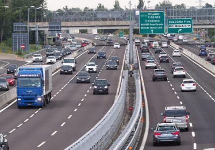 Autostrade: il report di Aiscat. Nel 2018 percorsi 84 miliardi di chilometri. Il Gruppo Gavio tra i principali player