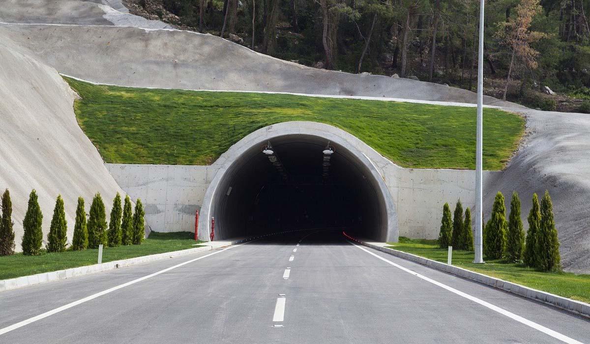 Parchi gioco e aree verdi sopra i tunnel autostradali, un'idea partita da Bologna