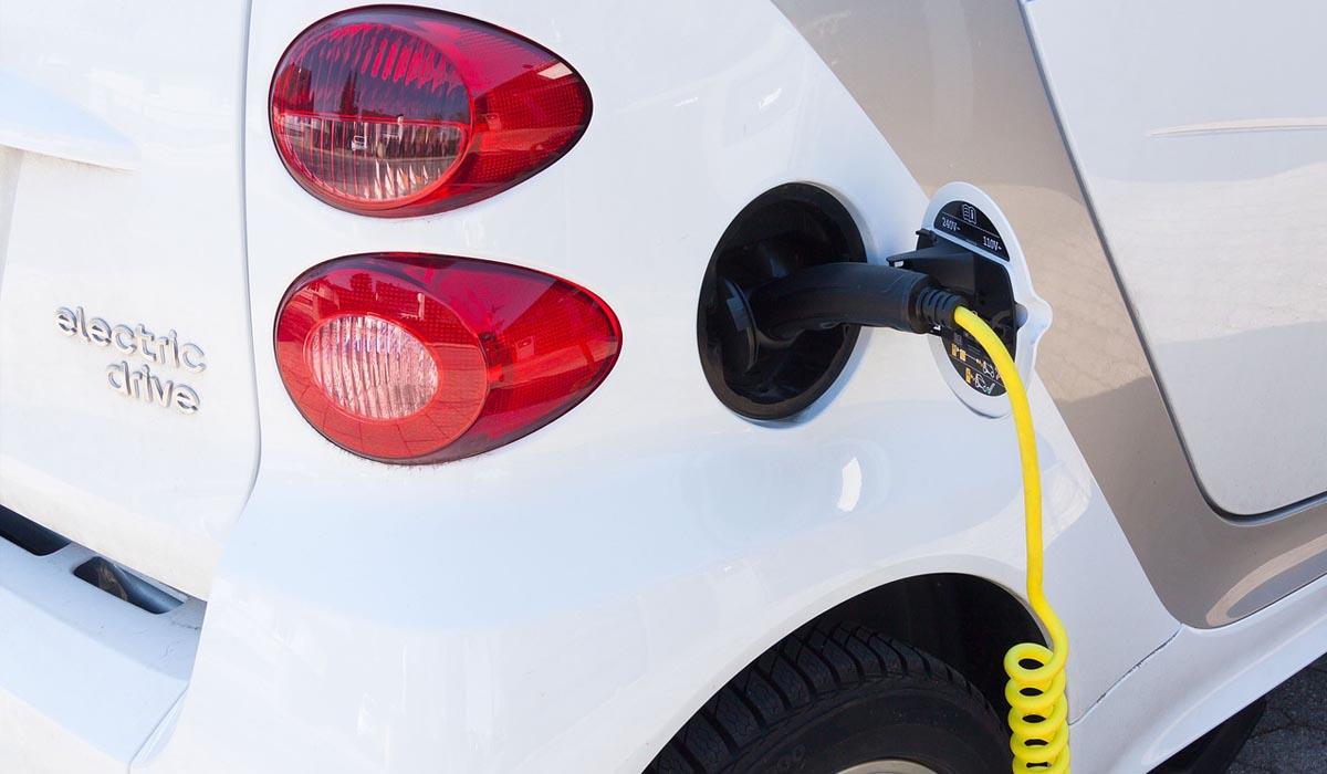 Crescono in tutta Italia i punti di ricarica per auto elettriche