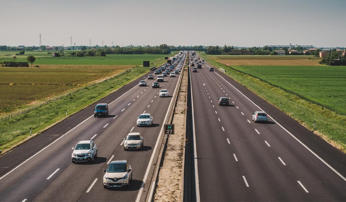 UN LUNGO PONTE DA PASQUA AL PRIMO MAGGIO: I CONSIGLI UTILI PER VIAGGIARE IN AUTO